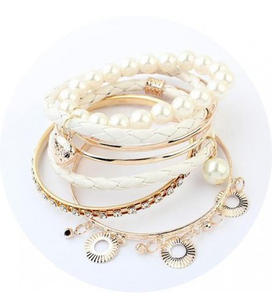 B320 - Multilayer Pearl Bracelet