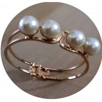 B527 - Elegant Pearl Bracelet