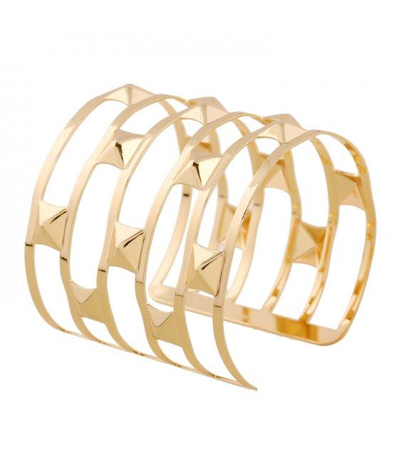 B581 - Openwork triangle bracelet