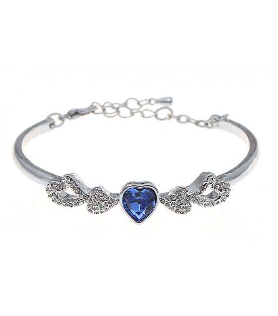 B588 - One heart love Crystal Bracelet
