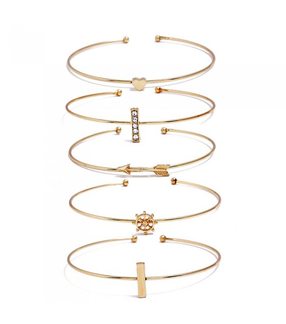 B604 - Heart Shape Vertical Bracelet