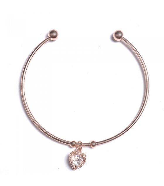 B627 - Peach heart bracelet