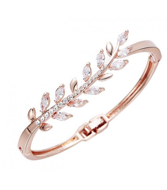 B680 - Alloy diamond bracelet