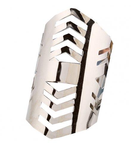 B802 - Hollow metal bracelet