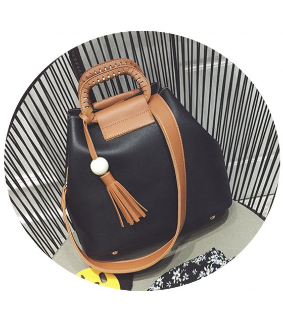 CL331 - Retro casual wooden beads fringed bag