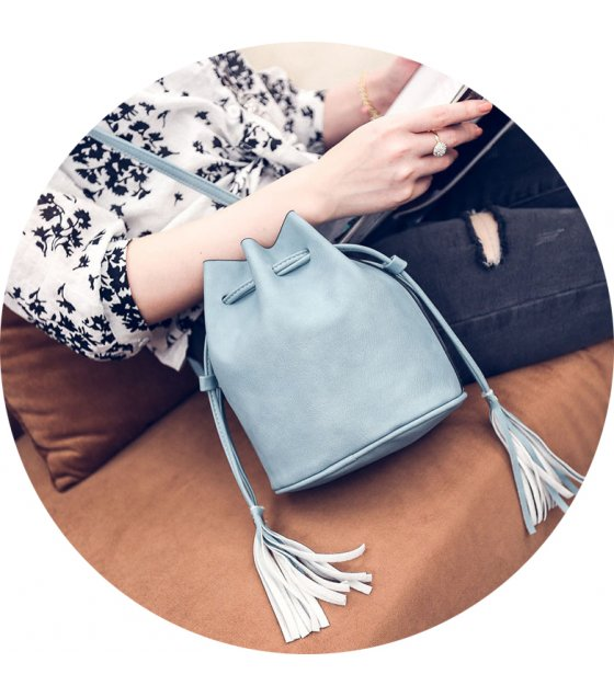 CL363 - Diagonal Bucket Bag