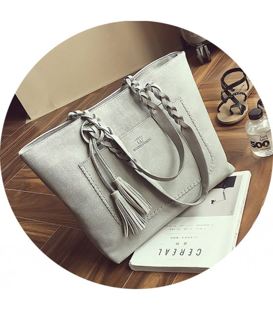 CL602 - Tassel Messenger Bag