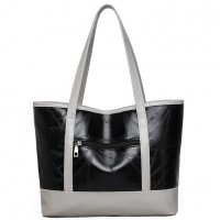 CL766 - Soft Leather Tote Bag