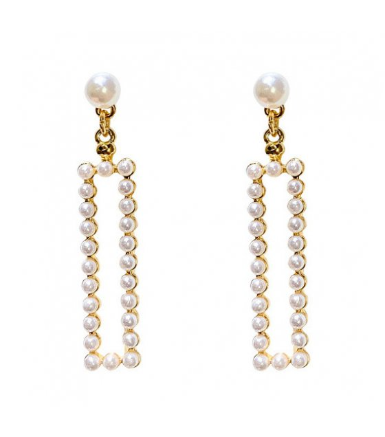 E1066 - Full pearl earrings