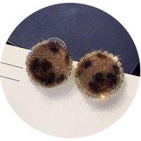 E1077 - Leopard stud earrings