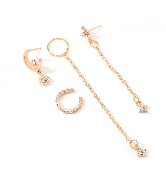 E1132 - Geometric C-shaped diamond earrings