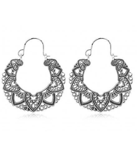 E1282 - Retro hollow heart-shaped earrings