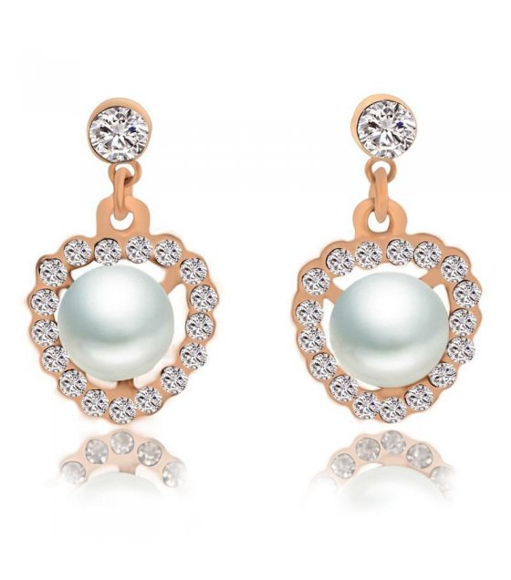 E480 - Heart-shaped pearl earrings