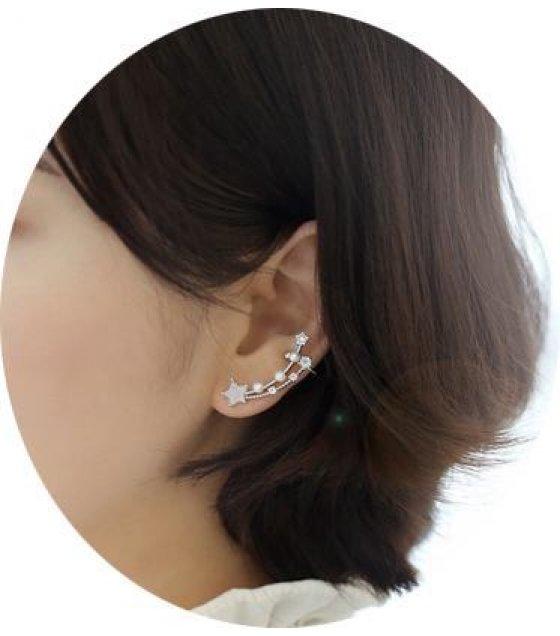 E571 - Star Line Ear Cuff