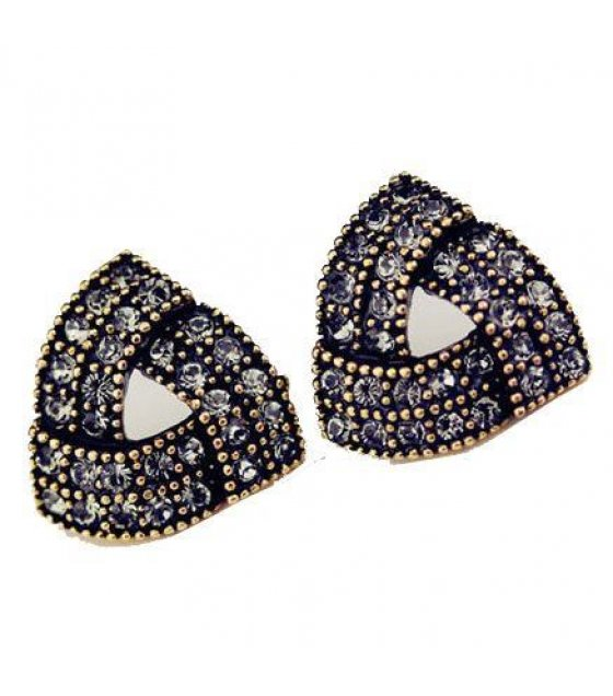 E640 - Black Triangular Earrings