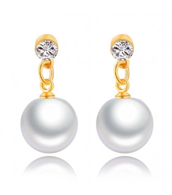 E675 - Luxury hanging pearl earrings