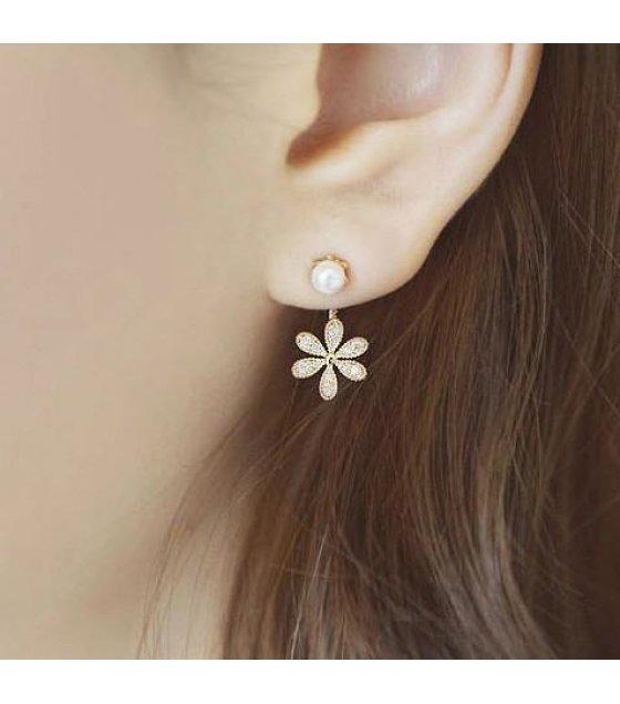 E752 - Golden Flower Earrings