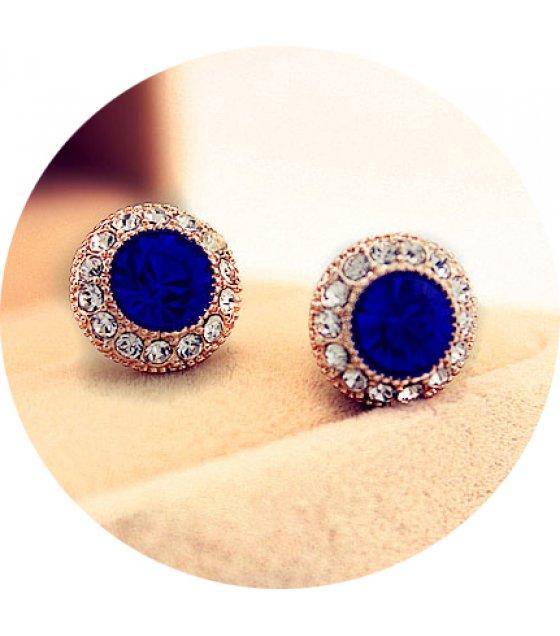 E797 - Simple Stud Earrings