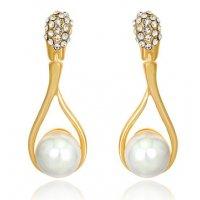 E816 - Diamond pearl earrings