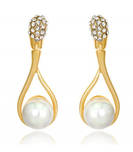 E816 - Diamond pearl earrings