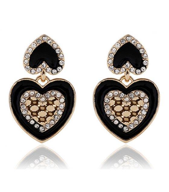 E829 - Heart shape tassel earrings
