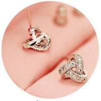 E860 - Mini Stud Earrings