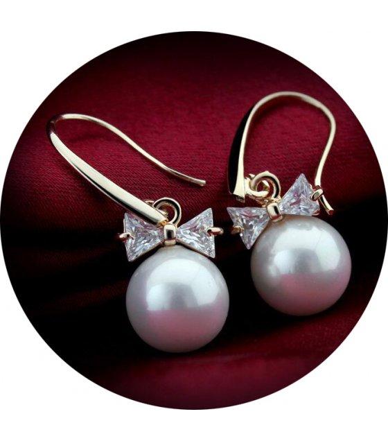 E870 - Pearl Zircon Earrings