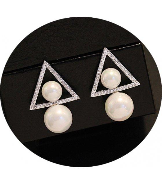 E873 - Double-sided pearl Earrings