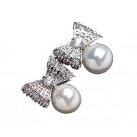 E882 - Zircon inlaid beautiful pearl bow Earrings