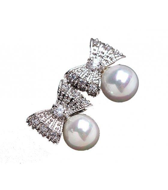E882 - Zircon inlaid beautiful pearl bow Earrings