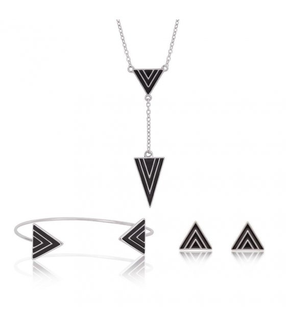 SET176 - Triangle Black Silver Set