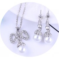SET553 - Pearl Bow Jewellery Set