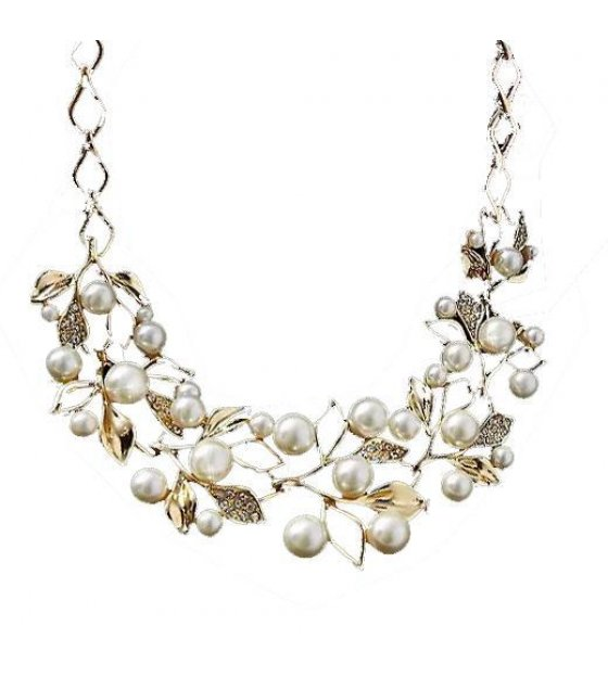 N1001 - Big resin pearl wedding necklace clavicle chain