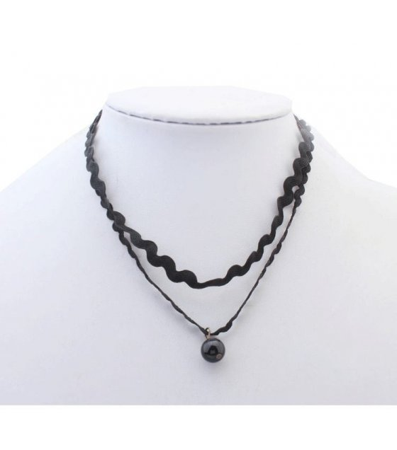 N1678 - Simple Black Necklace