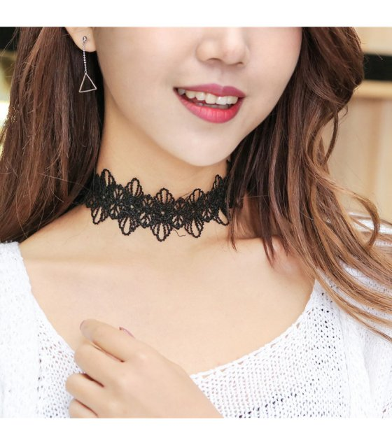 N1738 - Black Lace Necklace