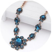 N1762 - Exaggerated Floral  necklace