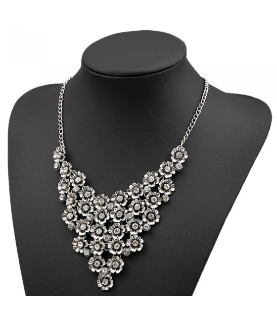 N1824 - Multi-layered flower diamond Necklace