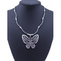 N1903 - Hollow butterfly pendant necklace