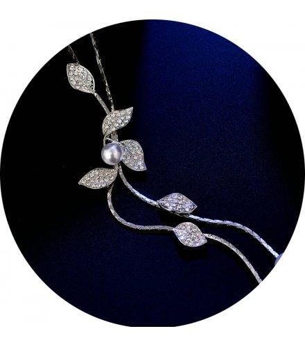N2016 - Pearl leaves tassel necklace