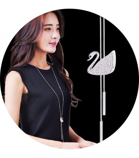 N2025 - Swan Sweater Chain