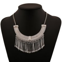 N2078 - Exaggerated tassel necklace