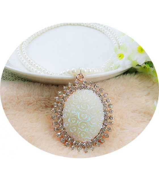 N2100 - Oval Pendant Sweater Chain
