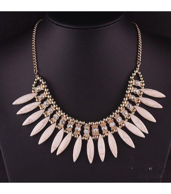 N2154 - Black Short Para necklace