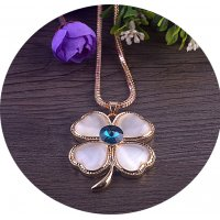 N2246 - Opal Crystal Hollow Four Leaf Flower Alloy Necklace