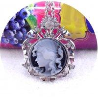 N2248 - Vintage Rhinestone Pendant Necklace