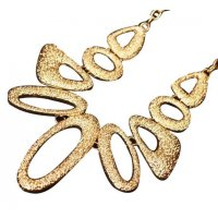 N504 - Exaggerated geometric short necklace