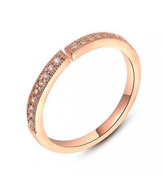 R162 - Simple Diamond Ring