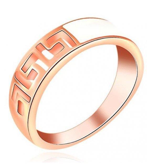 R218 - The Roman Ring