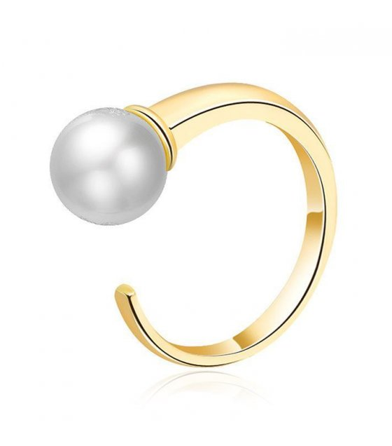 R273 - Golden Pearl Ring