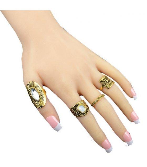 R357 - Vintage Gold Ring Set
